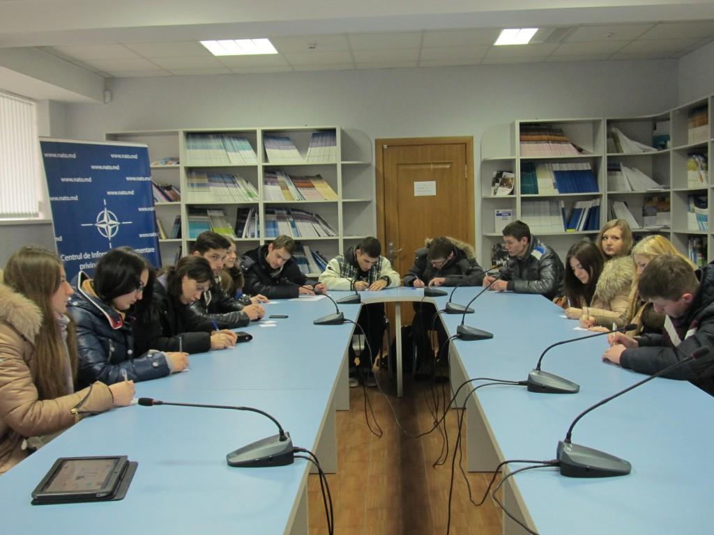 Lecţie publică: Rolul NATO în lume şi rolul CID NATO în Moldova