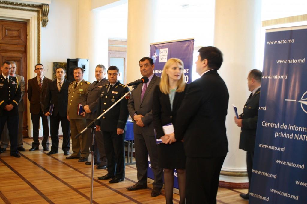 """20 de ani ai Parteneriatului pentru Pace: Lansarea monografiei """"NATO – Parteneriatul pentru Pace – Republica Moldova"""" şi prezentarea expoziţiei de fotografii """"Partneriatul Republica Moldova – NATO în imagini"""""""