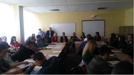 """Masa rotundă cu genericul """"Parteneriatul R. Moldova-NATO. Securitatea regională"""""""