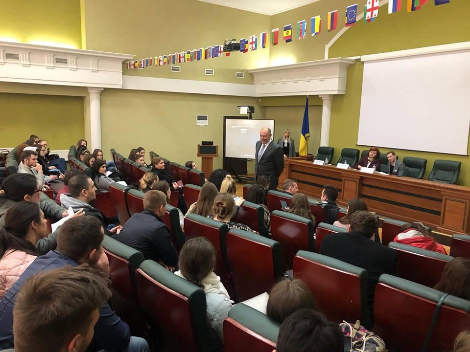 """,,Cooperarea cu NATO: experiența Republicii Lituania""""  – lecție publică susținută de E.S. Kestutis KUDZMANAS, Amasadorul Extraordinar și Plenipotențiar al Republicii Lituania în Republica Moldova"""