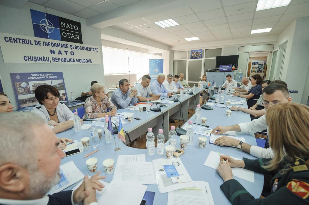 Masă rotundă la CID NATO. 25 de ani de cooperare între Republica Moldova și NATO în cadrul Programului Parteneriat pentru Pace.
